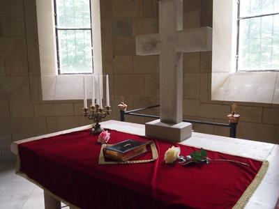 mausoleum_altar