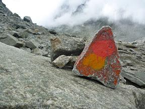 Les cairns pour la montée au refuge du Couvercle, sympa :-)...