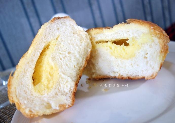 12 統一麵包 植元共生技術 菠蘿奶酥麵包、蔓越苺乳酪麵包、椰香奶酥麵包