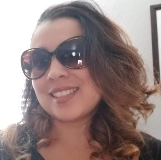 Jacqueline Flores
