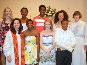 Confirmands with Youth Director Jen McClurg, Rev. Ginger and Rev. Kathy