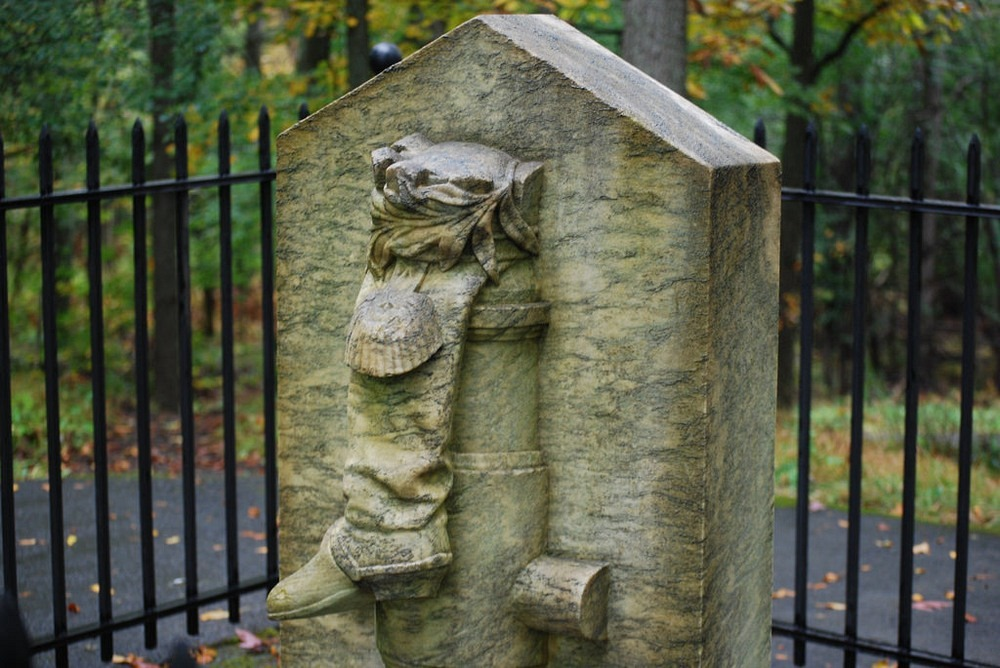 benedict-arnold-boot-monument-1