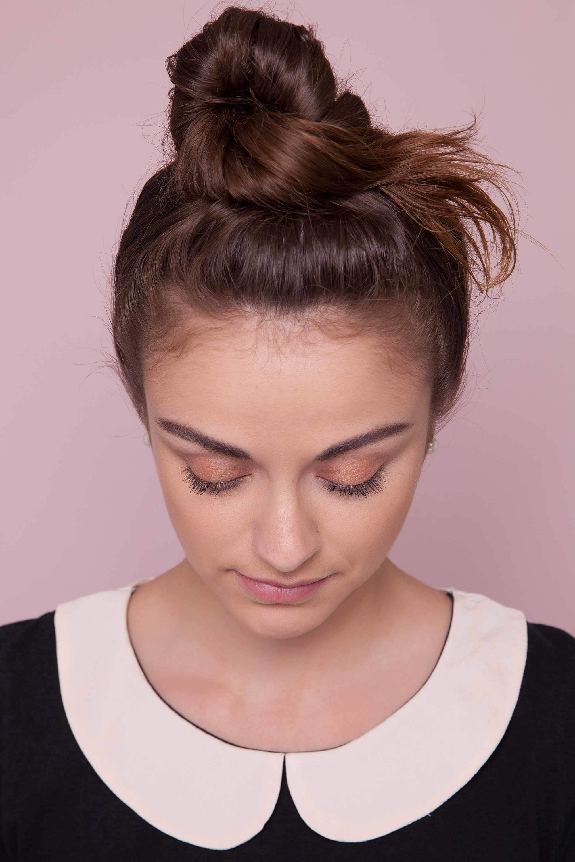 40+Latest styles Messy Buns -quick and easy ways! 8