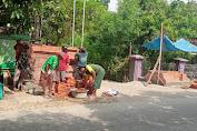 """Keren"""" dengan modal yang minim warga desa Galagamba khususnya blok bale gede antusias bangun gapura."""