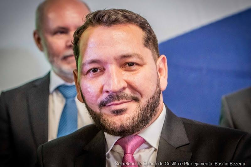 Secretário de Estado de Gestão e Planejamento, Basílio Bezerra