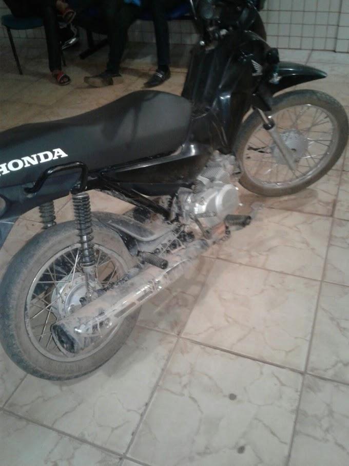 ITAITUBA/PA: MENOR DE 16 ANOS, FOI PRESO PELA POLÍCIA MILITAR DEPOIS DE FURTAR UMA MOTOCICLETA NO ÚLTIMO DOMINGO.