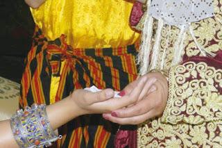 Célébration des mariages à Boumerdès :Le rituel du henné et les soirées chaâbi reviennent à la mode