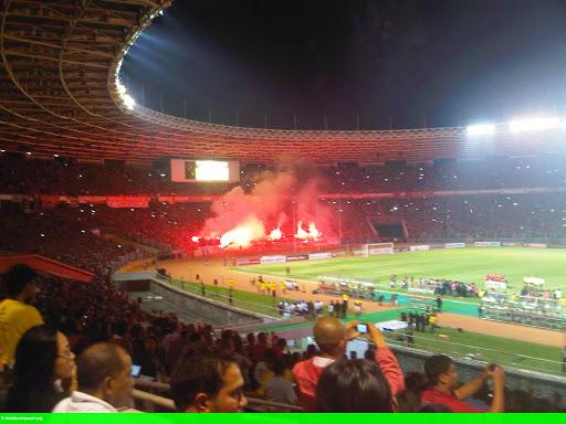 Hình 1: Tuyển Indonesia phải đá hai trận không khán giả