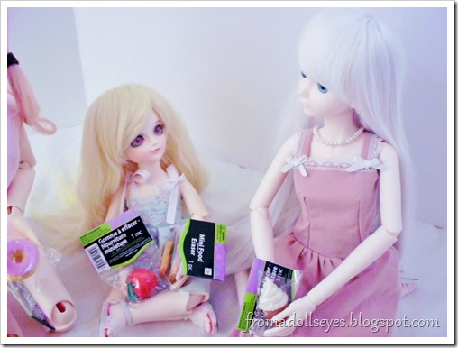 """Finding Doll Props: At The Party Store? """"Can I have some ice cream?"""""""