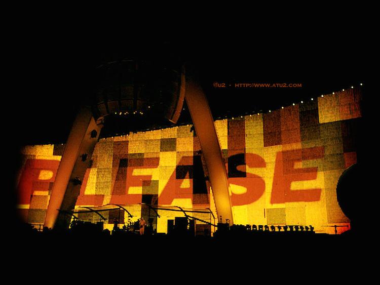"""""""Please"""" en el PopMart Tour"""