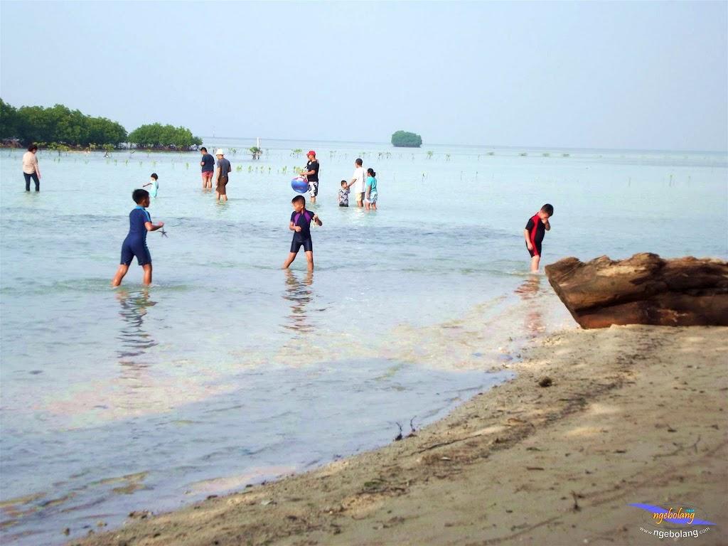 family trip pulau pari 090716 Fuji 139