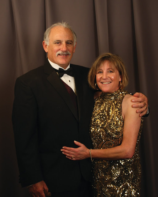 2010 Commodores Ball Portraits - Couple4A.jpg