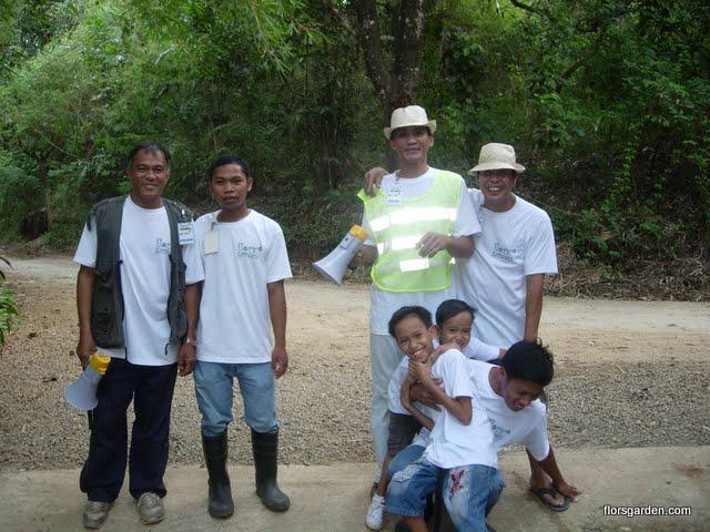 Flors Garden Staff - DSCN2117.JPG