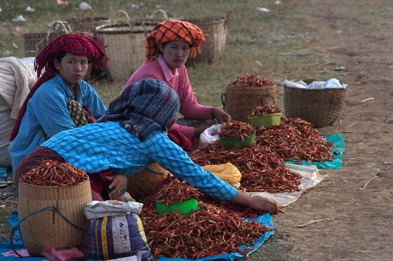 Three Shan Pa women selling in the market