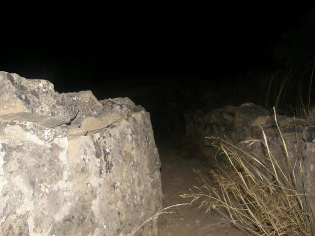 Los ecos de la noche, Por Quiero Quererte P9030163