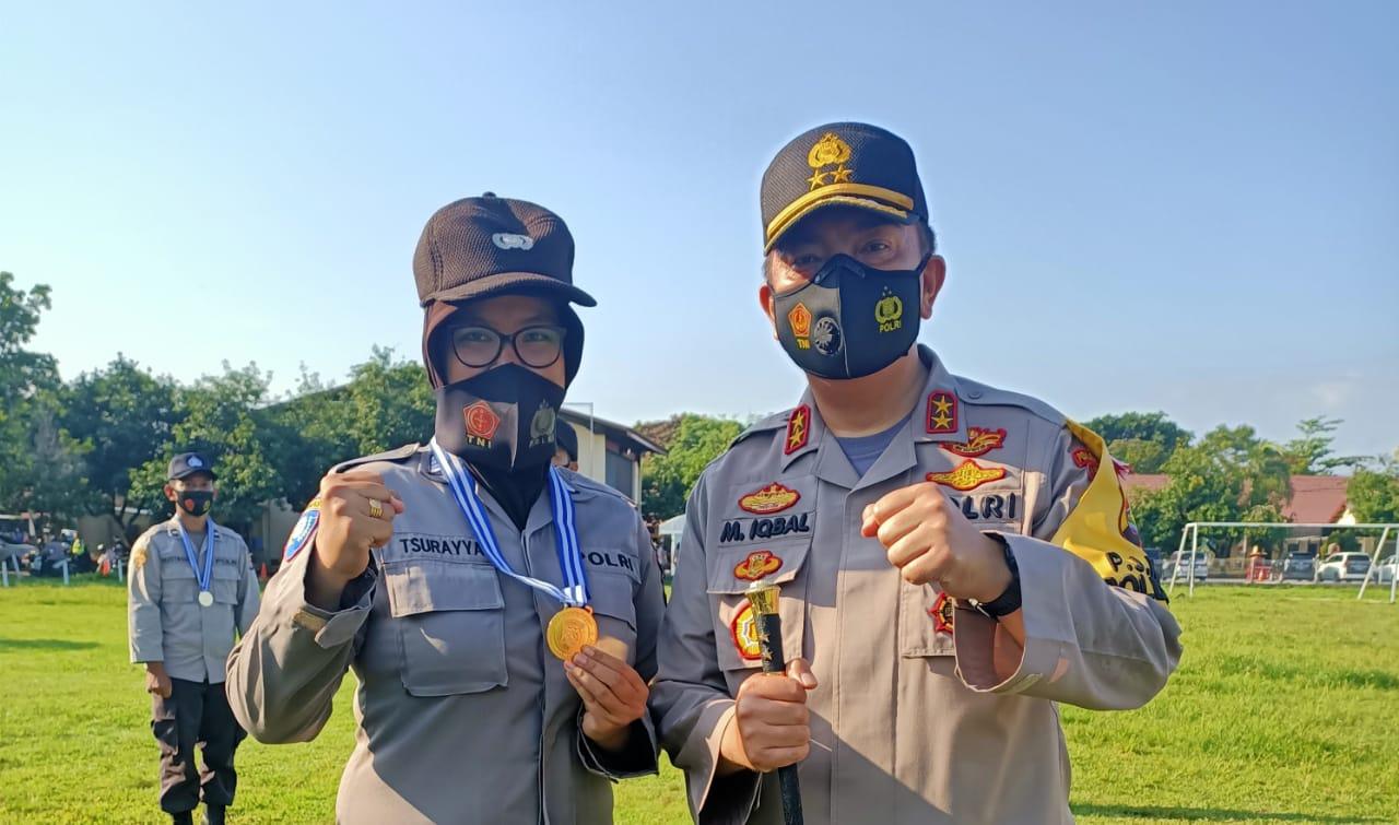 Personil Polwan Polres Lombok Tengah Mendapat Penghargaan Dari Kapolda