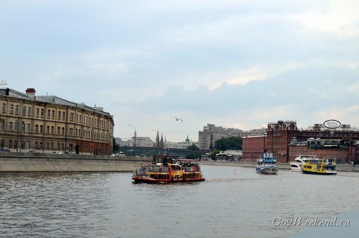 Прогулка на речном трамвайчике по Москве
