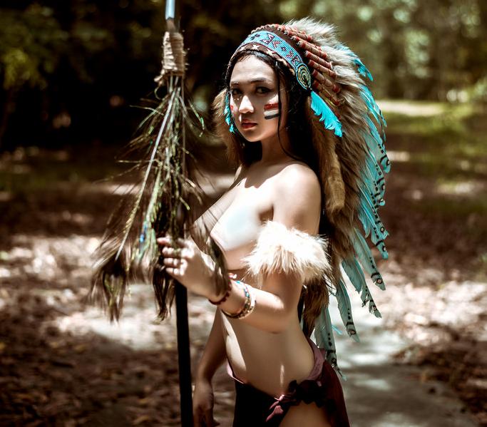 Hình ảnh cô gái thổ dân gợi cảm
