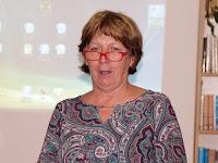 01 Iveta Tonhaiserová, az Ipolysági Városi Könyvtár vezetője köszönti a képzés résztvevőit.jpg