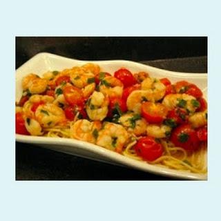 Italian-Style Garlic Shrimp with Cherry Tomatoes and Thin Spaghetti