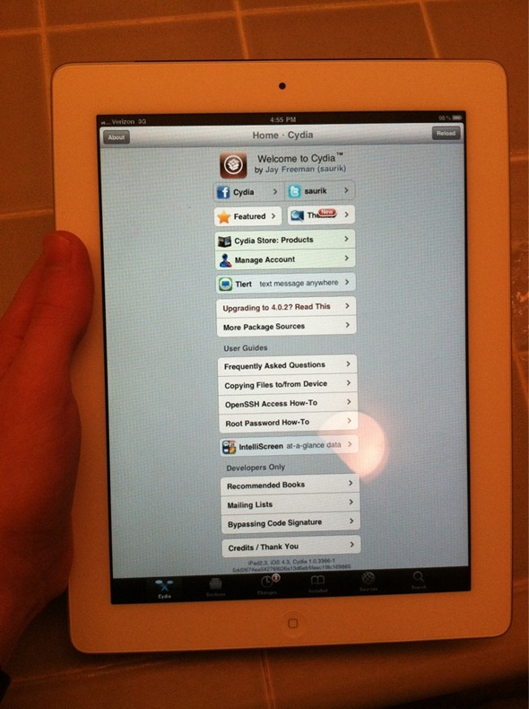 IPAD 2 JAILBROKEN!