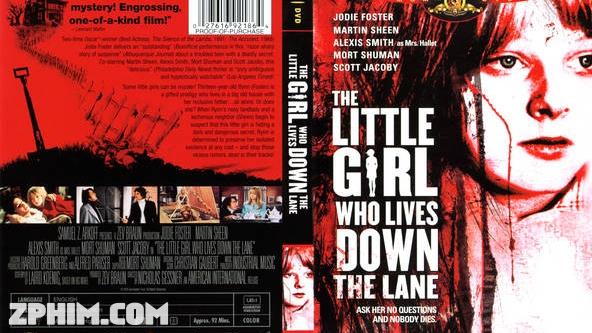 Ảnh trong phim Cô Gái Nhỏ Sống Dưới Đường - The Little Girl Who Lives Down the Lane 1