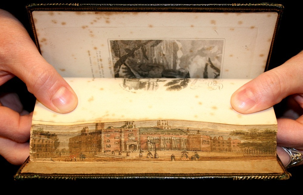 fore-edge-painting-7