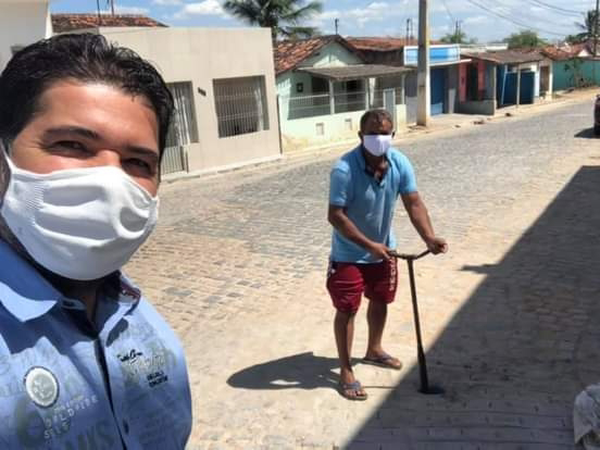 VICE-PREFEITO FÁBIO FRANÇA JUNTAMENTE COM O PREFEITO RENATO SALES REIVINDICA A REGULARIZAÇÃO DO ABASTECIMENTO DE ÁGUA NO DISTRITO DO TAMBOR.