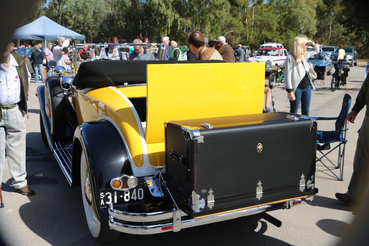 1931 Packard Super 8 Roadster 01.JPG
