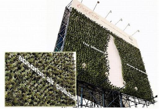Coca-Cola y WWF Crean El Primer Espectacular Con Materiales Reciclados