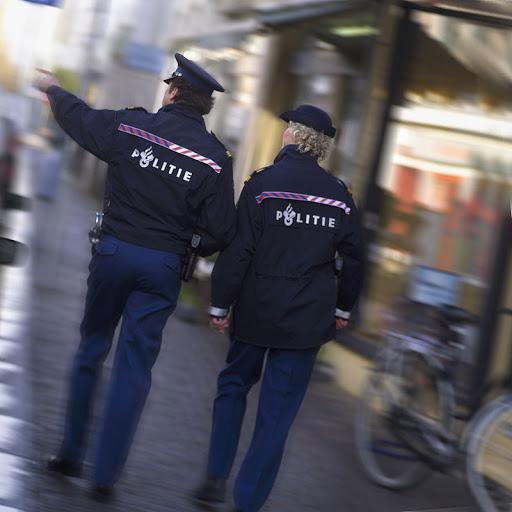 Politieambtenaren gearresteerd