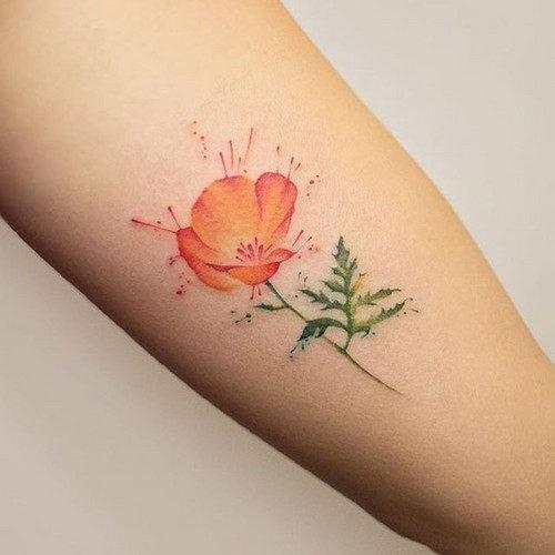 esta_flor_delicada_tatuagem_para_mulheres
