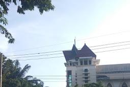 Korban ledakan dibawa ke Rumah Sakit Umum Daerah Supomo Jawa Timur