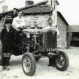 1955-1er-tracteur-au-renoux.jpg