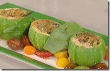 Zucchine ripiene e pomodori saltati