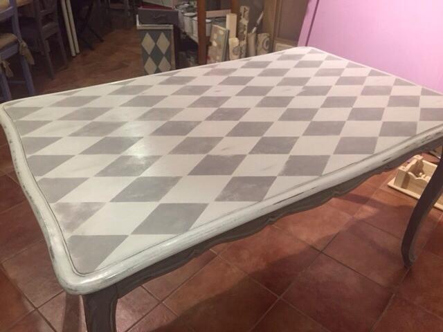 Mesa arlequ n el grises de autentico chalk paint la - Mesas pintadas a la tiza ...