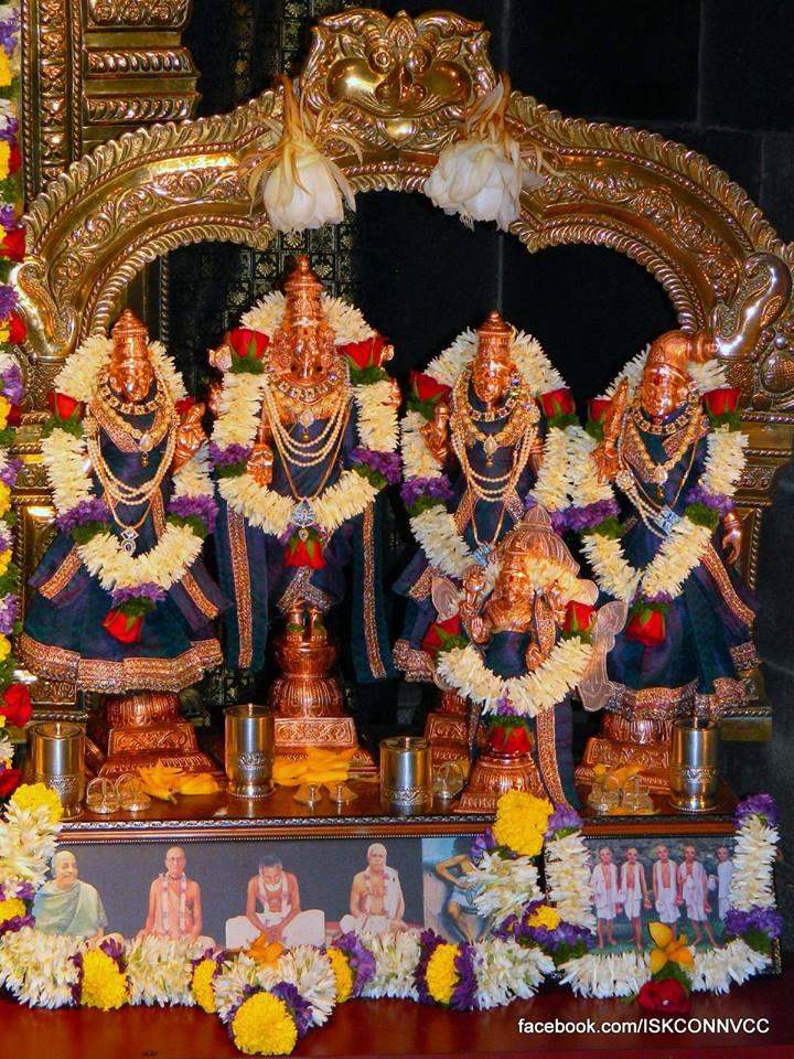 ISKCON Pune NVCC Deity Darshan 20 Dec 2015 (2)