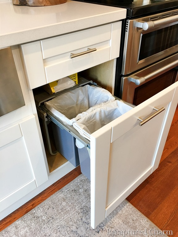 [kitchen+makeover+garbage+drawer+1a%5B5%5D]