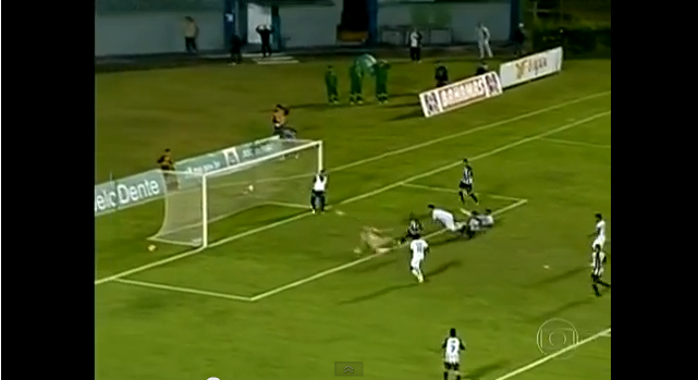 Masseur of Aparecidence invades Brazil Serie D play off match, stops Tupi scoring winner