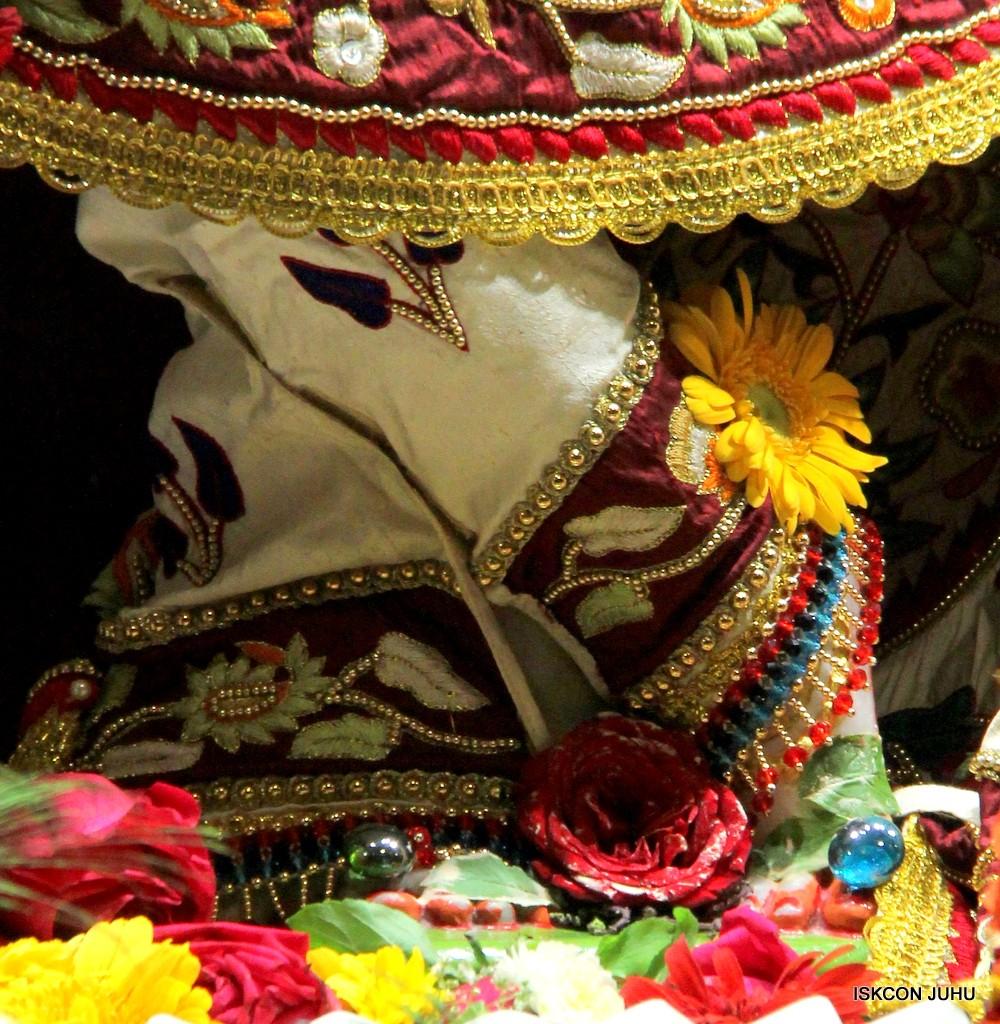 ISKCON Juhu Sringar Deity Darshan on 2nd Jan 2017 (15)