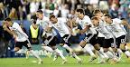 A német válogatott örül a gőzelemnek a büntetőpárbaj végén a franciaországi labdarúgó Európa-bajnokság negyeddöntőjének Németország - Olaszország mérkőzésén, Bbordeaux, 2016. július 2-án. (MTI Fotó: Illyés Tibor)