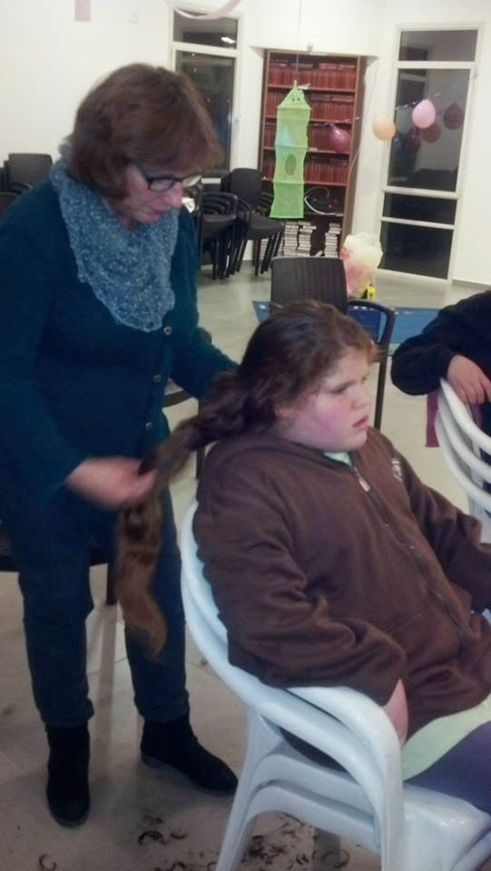 Donating hair for cancer patients 2014  - 1970729_539643316151966_312158942_n.jpg
