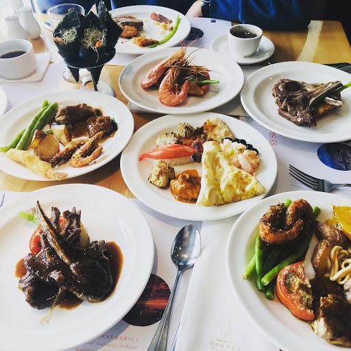 Cp值算不錯的餐廳,生魚片好吃,壽司種類多 #午餐