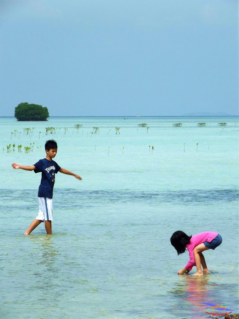 family trip pulau pari 140716 Fuji 030