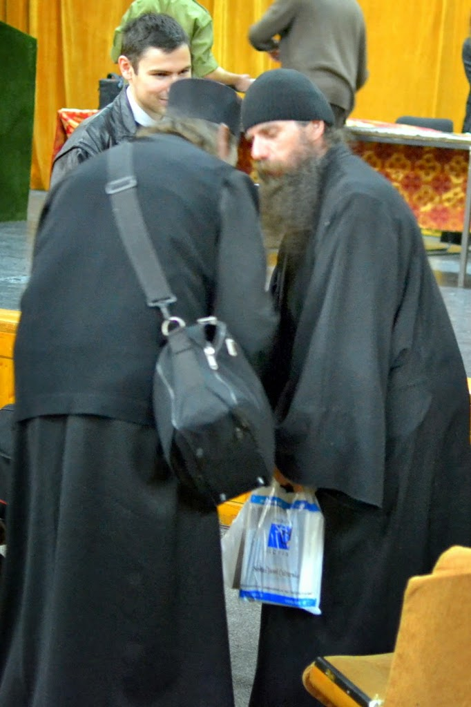109 Avva Justin Parvu si Sfintii inchisorilor (Teatrul Luceafarul, Iasi, 2014.03.19)