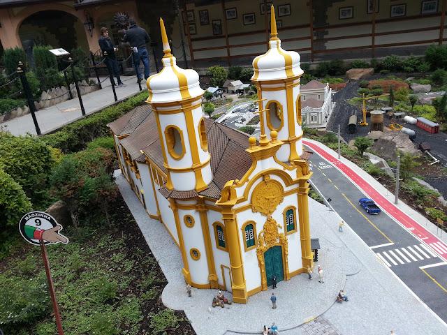 Miniatura da Ig. de S. Francisco de Assis - Ouro Preto - MG, compõe a Mini-Cidade.