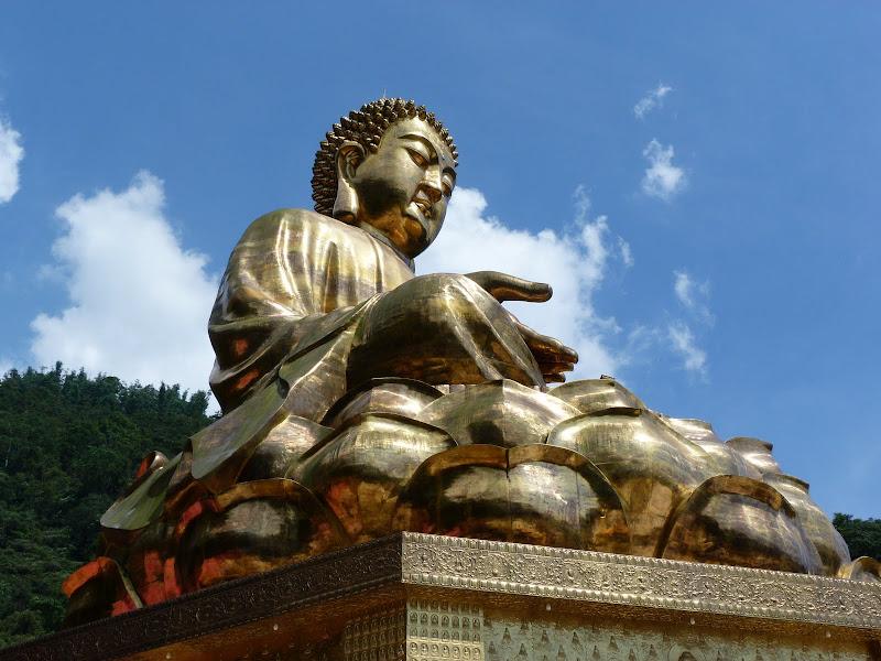 Puli. Divers et Golden Buddha.J 12 - P1170625.JPG