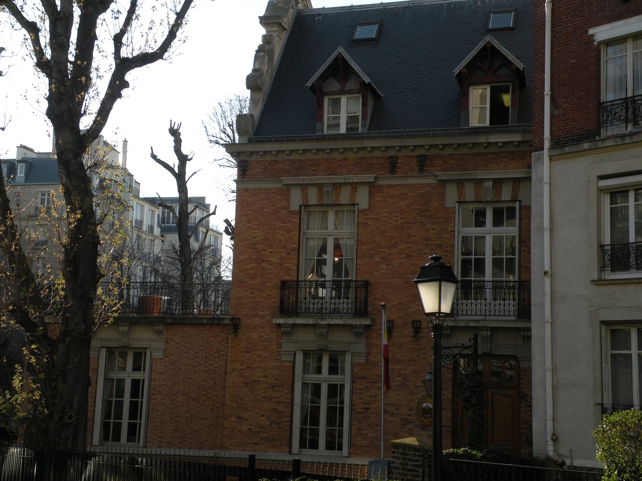 Image of Philippine Embassy in Paris, France