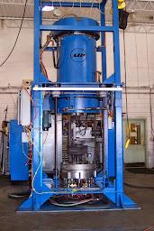 Prasa izostatyczna HIP do produkcji dużych elementów ładowana od dołu 24 cale.jpg