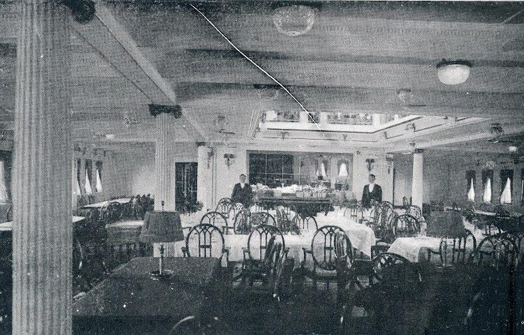 31-REINA VICTORIA EUGENIA. Comedor de lujo. Revista La Vida Marítima. Año 1913.jpg